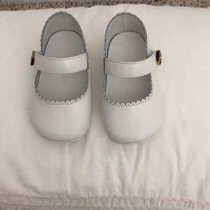 Burberry Baby girls crib shoes
